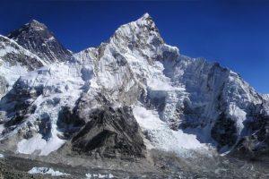 Monte Everest y sus glaciares